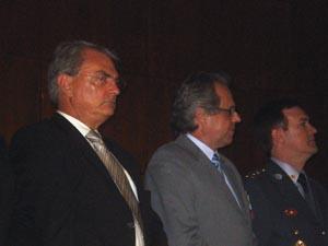 O secretário da Segurança Pública, Antonio Ferreira Pinto, o secretário da Habitação, Lair Krahenbühl, e o coronel Álvaro Camilo, comandante geral da Polícia Militar
