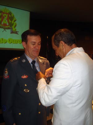 Coronel Álvaro Camilo, comandante geral da Polícia Militar, foi um dos agraciados com a Medalha Centenário